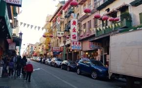 travel guide: a stroll throughchinatown