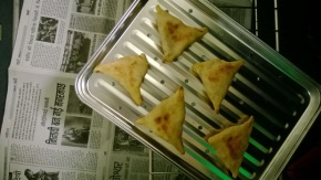 homemade samosas (psst! they're baked!)