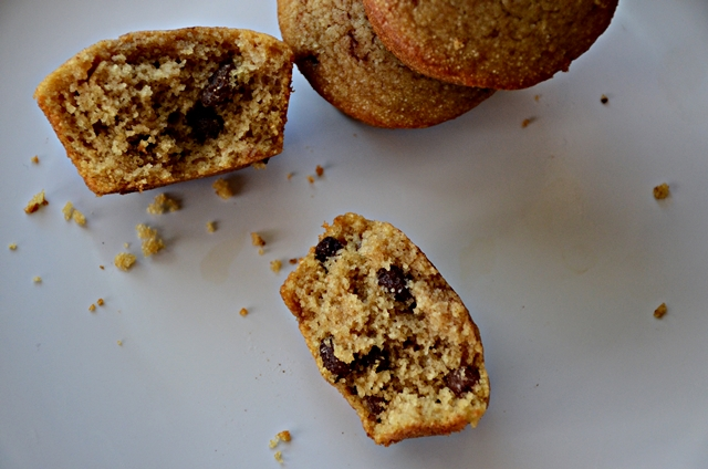 raisin farina muffin-open
