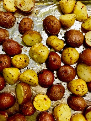 roasted marble potatoes with dried herbs